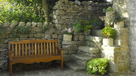 Relax in the courtyard Ivy Cottage in Giggleswick